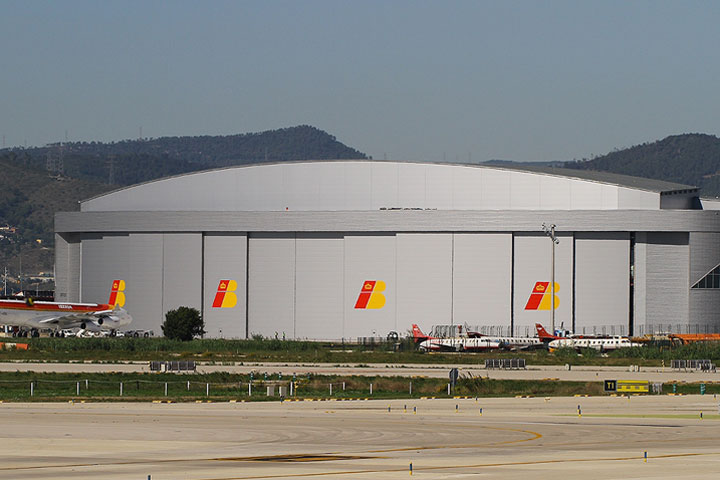 panel-sandwich-angar-madrid-barajas
