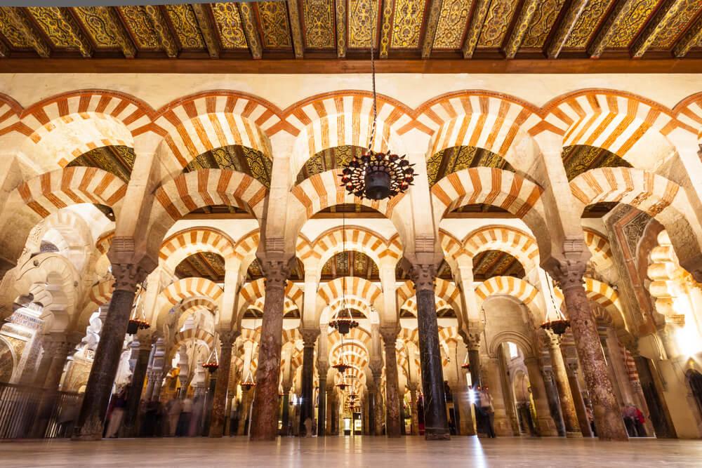 Los hitos históricos de la arquitectura en España mezquita de córdoba
