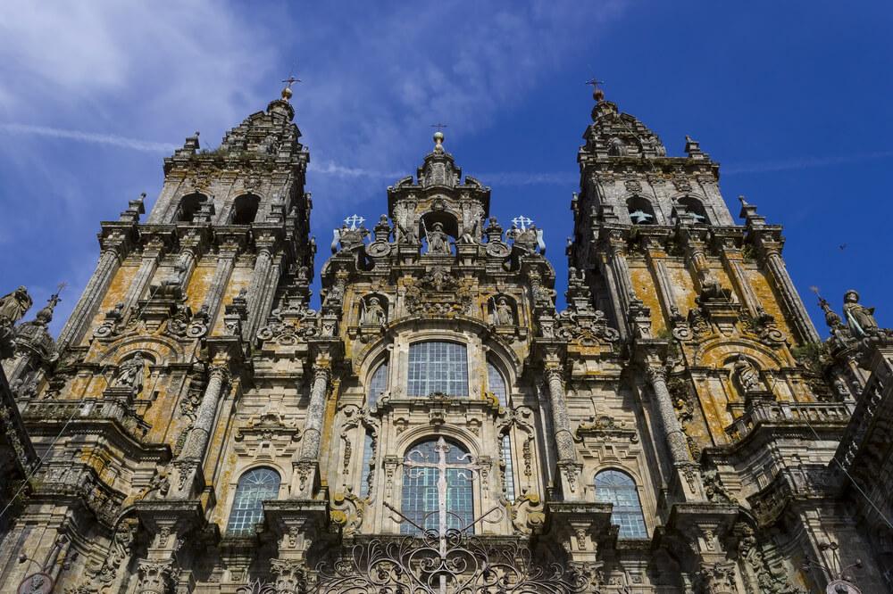 Los hitos históricos de la arquitectura en España catedral de santiago de compostela