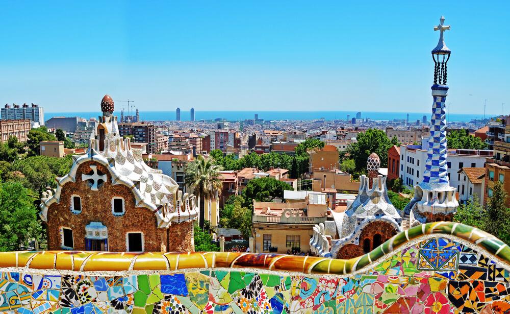 Los hitos históricos de la arquitectura en España antonio gaudi parc guell